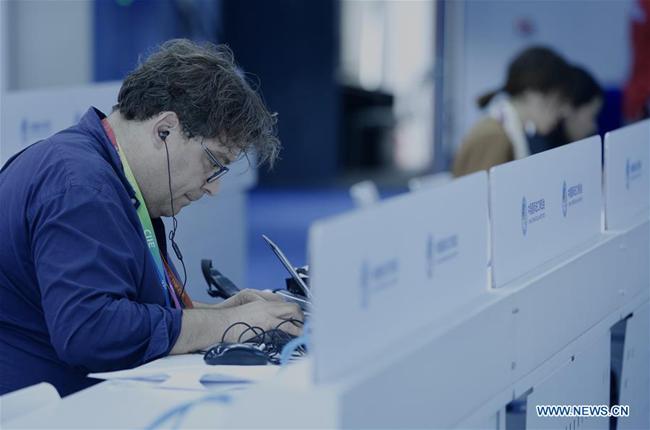 Više od 4.300 novinara registrovano za Drugi kineski međunarodni sajam uvoza_fororder_Media center1