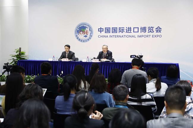 Oko 1.000 ugovora u prva tri dana Međunarodnog sajma uvoza_fororder_CIIE's